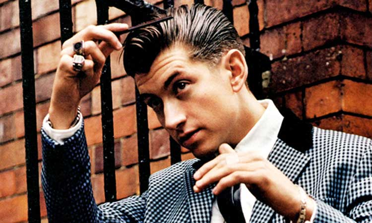 O estilo de Alex Turner, o vocalista do Arctic Monkeys