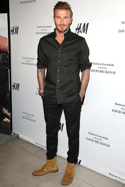 David Beckham all black com bota marrom